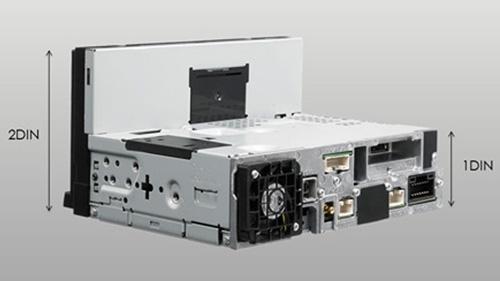 Alpine INE-W997D har 1DIN kabinett