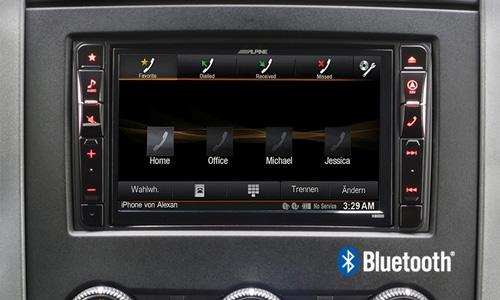 Alpine X800D-S906 har innebygget blåtann som brukes til Handsfree og streaming